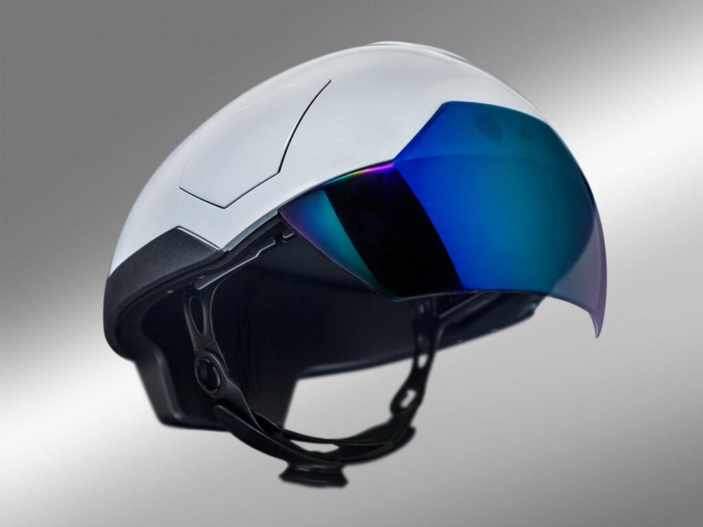 Daqri smart helmet visuartech